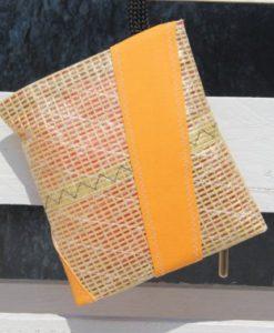 pochette gialla