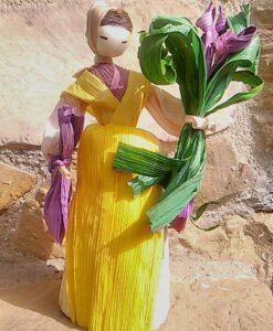 bambolina con fiori
