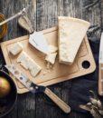 Set_formaggio_miele_pere_ambientato