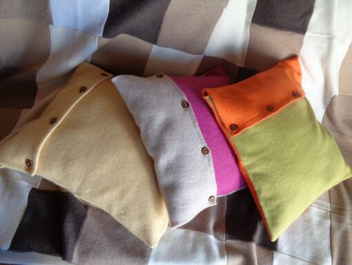 copricuscini in lana cotta