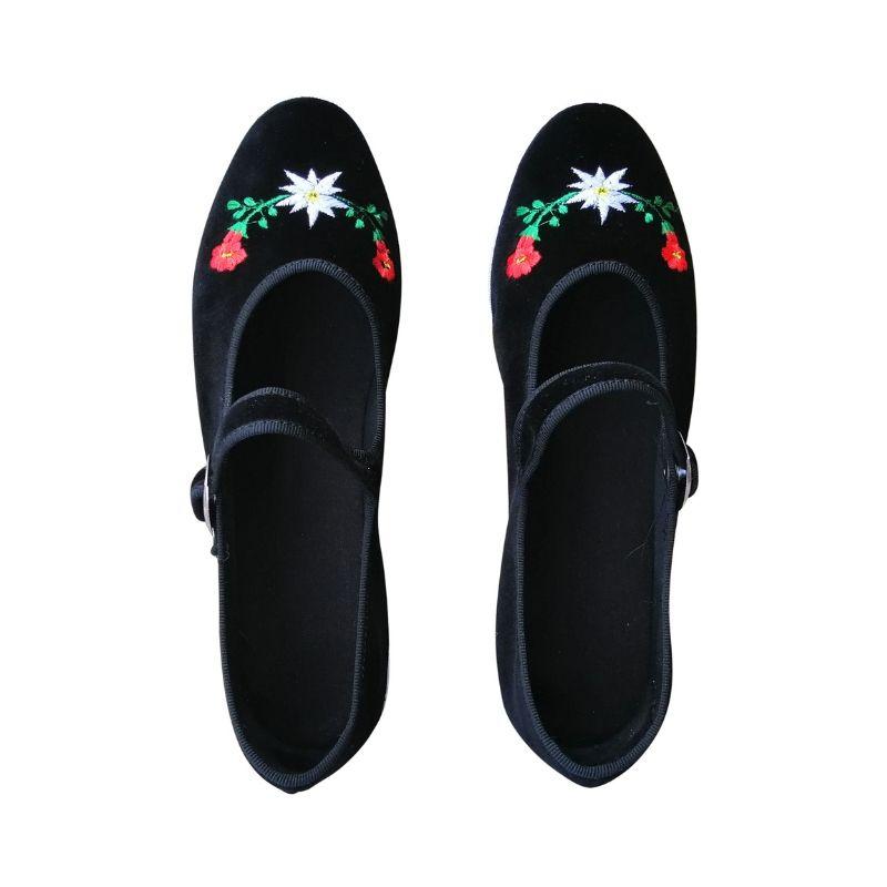 scarpets ricamati con cinturino